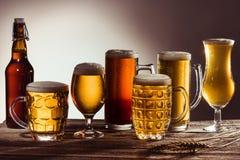 Asortyment piwo w szkłach zdjęcia royalty free