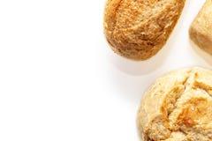 Asortyment, r??ni rodzaje banatka piec chleb z z?ot? skorup? na bia?ym tle z kopii przestrzeni?, piekarnia i sklepu spo?ywczego p obraz royalty free