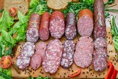 Asortyment salami i przekąski fotografia stock