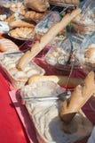 Asortyment towary, chleb i piekarnie piec, Mieszanka chleb Servind chleby piekarzi Obrazy Stock