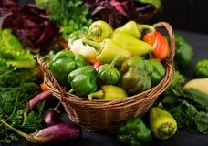 Asortyment warzywa i zieleni ziele sprzedażny obraz royalty free