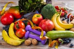 Asortyment zdrowi owoc i warzywo zdjęcie royalty free