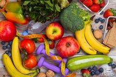 Asortyment zdrowi owoc i warzywo zdjęcie stock