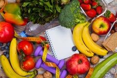 Asortyment zdrowi owoc i warzywo obrazy stock