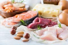 Asortyment zdrowy proteinowy źródło i ciało budynku jedzenie Obrazy Royalty Free