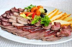 Asortymentu mięsny talerz obrazy royalty free