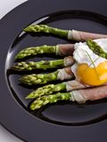 Asparagi with fried egg Royalty Free Stock Image
