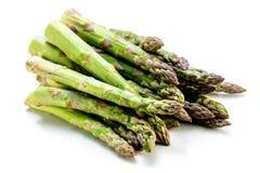 Asparago verde dell'asparago fresco crudo dell'asparago dell'asparago su backkground bianco fotografia stock libera da diritti