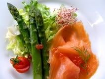 asparagus łososia wędzone zdjęcia royalty free