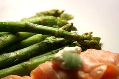 asparagus łososia wędzone Obrazy Royalty Free