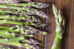 Asparagus Bunch on wood Royalty Free Stock Photography