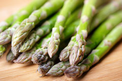 Asparagus. Close-up of freshly harvested asparagus on cutting board Royalty Free Stock Photography