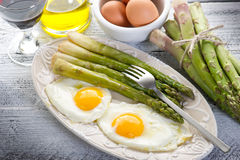 Asparagus with eggs Royalty Free Stock Photography