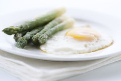 Asparagus with eggs Royalty Free Stock Photos