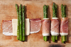 Asparagus and ham with cheese Stock Photography