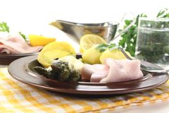 Asparagus with hollandaise sauce and cooked ham Royalty Free Stock Images