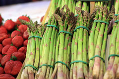 Asparagus on market Royalty Free Stock Images