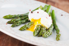 Asparagus with poached egg Royalty Free Stock Photo