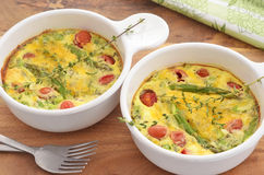 Asparagus tomato quiche Royalty Free Stock Photos