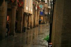 Aspecto da intimidade das ruas e dos arcos estreitos em Pontevedra, Espanha fotografia de stock royalty free