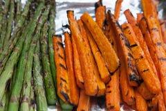Asperge fraîchement grillée de carottes de légumes Image libre de droits