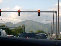 Aspettando sui semafori Immagini Stock Libere da Diritti