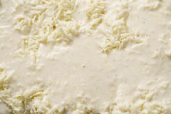 Aspetti per le lasagne al forno bollenti sulla cucina domestica per la cena della famiglia Fotografie Stock Libere da Diritti