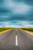 Asphalt Freeway, estrada, estrada secundária da estrada no campo fotografia de stock