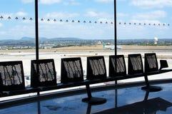 Asphalt mit Flugzeug Stockbilder