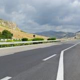 Asphalt Road auf Sizilien Lizenzfreie Stockfotografie