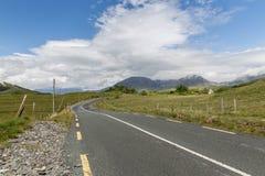 Asphalt road at connemara in ireland Royalty Free Stock Photos