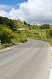 Asphalt Road in Sizilien Lizenzfreie Stockfotografie