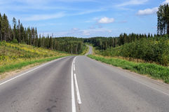 Free Asphalt Road Through The Hills Royalty Free Stock Images - 89801879