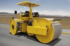 Asphalte de compactage de rouleau de route Image libre de droits