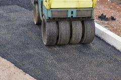 Asphalte de raccordement au site de construction de routes photographie stock libre de droits