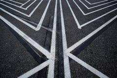 Asphaltieren Sie Oberfläche der Straße mit Linien abstrakter Hintergrund Lizenzfreies Stockbild