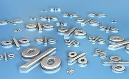 Asphaltieren Sie reflektierende Prozentzeichen auf einer blauen Oberfläche Lizenzfreie Stockfotos