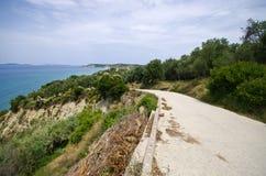 Asphaltstraße auf Korfu-Insel, Griechenland Stockbilder