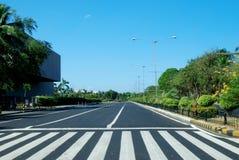 Asphaltstraße in der Stadt von Manila, Philippinen Lizenzfreie Stockfotos