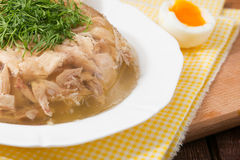 Aspik des Hühnerfleisches, -rindfleisches und -schweinefleisch Stockfotos