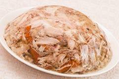 Aspik mit Huhnfleisch Lizenzfreies Stockfoto