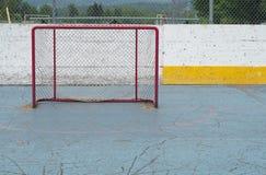 Aspiración vacía de la red del deporte del hockey de la meta que juega éxito Fotografía de archivo libre de regalías