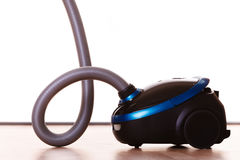 Aspirateur sur le plancher housework photo stock
