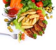 Assado com batatas e vegetais Imagem de Stock Royalty Free