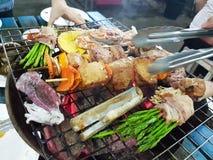 Assado do Alimento-carvão vegetal Fotos de Stock