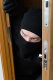 Assaltante masculino na máscara Imagens de Stock Royalty Free