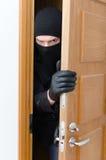 Assaltante masculino na máscara Foto de Stock