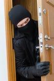 Assaltante masculino na máscara Imagens de Stock