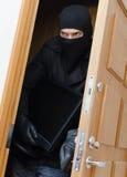 Assaltante masculino na máscara Imagem de Stock Royalty Free