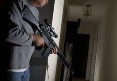 Assaltante na casa Imagem de Stock